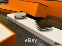 Apple Montre Série 4 Hermes 44mm En Acier Inoxydable De 2 Ans Pleine D'apple Warrantee