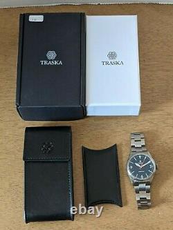 Traska Summiteer Charcoal Black Field Watch Red Seconds Sur Bracelet Full Kit Ex
